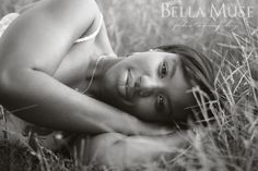 #senior #model #field © Bella Muse Photography | www.Bella-Muse.com