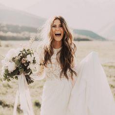 """1,230 次赞、 32 条评论 - Bridal Musings Wedding Blog (@bridalmusings) 在 Instagram 发布:""""Yipeeee! Just one more sleep till our editor, Claire, gets married! How many sleeps until your…"""""""