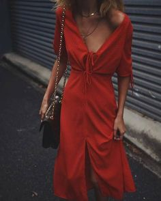 Stylish Summer Outfits to Wear Now - Red dress - vintage summer outfits outfits vintage shorts vintage dress vintage fashion vintage outfits summer beach dress summer beach wear summer dress flowers - Vintage Outfits -Summer Vintage Dresses 2019 Looks Style, Looks Cool, My Style, Boho Style, Look Fashion, Fashion Beauty, Womens Fashion, Fashion Clothes, Red Fashion Outfits