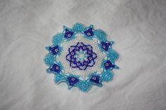 napperon sylvia en perles de rocaille bleu : Accessoires de maison par lestissagesdenad