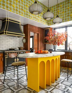 Dallas, Eclectic Kitchen, Kitchen Decor, Kitchen Ideas, Palm Springs, Wood Drafting Table, Style Deco, Cuisines Design, Kitchen Shelves