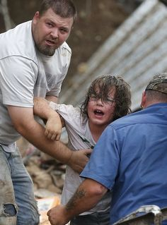13 Heartbreaking Photos From The Aftermath Of The Oklahoma Tornado - BuzzFeed Mobile