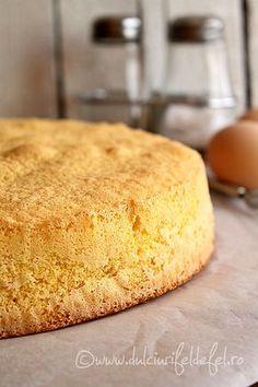 Blat de tort cu vanilie Romanian Desserts, Romanian Food, Banana Bread Recipes, Cake Recipes, Food Cakes, Cake Cookies, Cake Decorating, Sweet Treats, Bakery