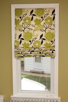 no-sew roman shades using mini-blinds as the base--love it!
