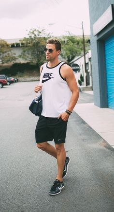 Hello his: when nike becomes an addiction sport fashion, fitness fashion, mens fashion Sport Fashion, Fitness Fashion, Fashion Brands, Mens Fashion, Fitness Outfits, Women's Fitness, Fitness Wear, Nike Outfits, Sport Outfits