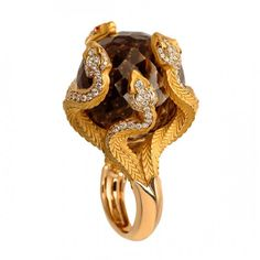 Ring by Magerit