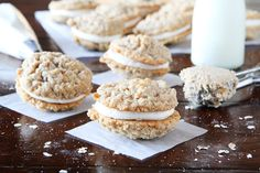 These Homemade Oatmeal Cream Pies are such a fun and yummy treat! They're easy to make and your kids are sure to love them. Cookie Desserts, Just Desserts, Cookie Recipes, Delicious Desserts, Dessert Recipes, Oatmeal Dessert, Yummy Treats, Sweet Treats, Biscuits