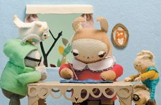 Charming and quirky little animation complete with a kids book and felted plush animals.  So cute!