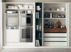 Arredare con stile le cucine piccole. Nei monolocali e nelle case giovani, le soluzioni design per chi ha poco spazio. E ama l'ordine in ogni contenitore.
