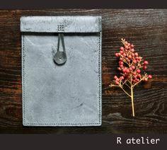 $42   Handmade iPad Leather Sleeve   Tablet Portfolio / Case / Sleeve #handmadeleather #ipadsleeve #ipadaccessories #tabletsleeve #leathergifts