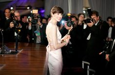 What Is Anne Hathaway Doing Wrong? - NYTimes.com