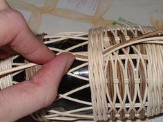 Clothes Hanger, Basket, Crafts, Tricot, Tutorials, Hanger, Closet Hangers, Baskets, Clothing Racks