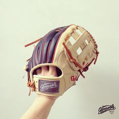 #Gloveworks x JB - Debut! Gem from the talented Guyton. Gloveworks Pro Steerhide in Navy & Wheat, H Web, embroideries on lining & thumb. Glove logo patch is available in Orange & Gray.</p>   Build your own glove at gloveworks.net! E-mail us at contact@gloveworks.net for details.   #Baseball #CustomGlove #BaseballGlove #MLB