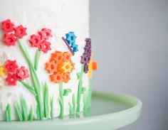 Twizzler Flower Toppers For The Perfect Spring Cake ⋆ Handmade Charlotte 20 Birthday Cake, Birthday Cake Decorating, Cake Decorating Tips, Cookie Decorating, Cupcakes, Cake Cookies, Cupcake Cakes, Spring Cake, Piece Of Cakes
