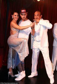 Foto de Liam bailando tango en una presentación que estuvieron en el Hotel Faena en Buenos Aires, Arg el 5/Mayo #NN pic.twitter.com/tNpOvnXiso