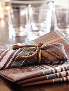 beautiful plaid napkins http://rstyle.me/n/rdrm2pdpe