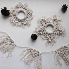 22 отметок «Нравится», 6 комментариев — Macramél by Marina L. (@macrameldesign) в Instagram: «Let it snow ❄ Снежинки (диаметр 12-15 см) отдельно за 120₽ или наборами по 6 штук за 600₽ из…»