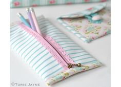 Tutorial: Lace zipper pencil pouch – Sewing