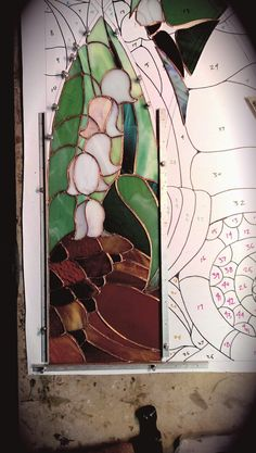 Stained Glass Studio, Stained Glass Panels, Stained Glass Projects, Stained Glass Patterns, Leaded Glass, Stained Glass Art, Mosaic Glass, Glass Cabin, Stained Glass Suncatchers
