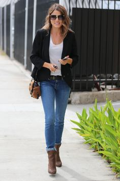 Nikki Reed was caught by the paparazzi after leaving lunch with a friend. She wore a pair of STROM Brand Frya Indis straight leg jeans with a black blazer and brown boots. I love the fit of these on Nikki and how they are a straighter leg style, which I… Look Fashion, Autumn Fashion, Fashion Outfits, Denim Blog, Casual Outfits, Cute Outfits, Office Outfits, Nikki Reed, Casual Chic Style