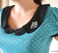 such a pretty top. free sewing pattern/tut