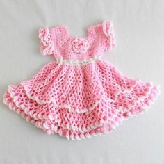 Watch Maggie review this adorable Savannah Ruffled Baby Set Crochet Pattern! Crochet Design by: Lori Sanfratello Skill Level: Easy Size: Pattern using ″E″ hook is for 0-6 months, pattern using ″F″ hoo