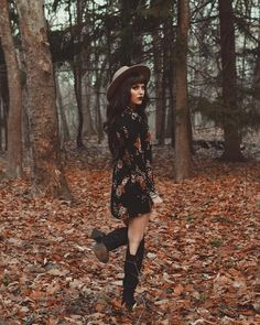 Source by femaleKili chic outfits winter Boho Outfits, Fall Outfits, Cute Outfits, Fashion Outfits, Rock Chic, Witch Fashion, Look Fashion, Woman Fashion, Witchy Outfit