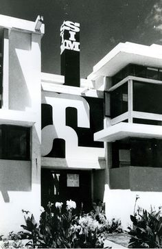fuckyeahbrutalism: The Yes House, Portugal, 1964 (Amancio d'Alpoim Guedes) Cubic Architecture, Architecture Design, Maputo, Concrete Structure, Brutalist, Modern Classic, Facade, African, Building Products