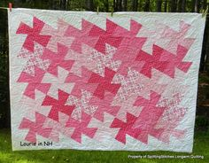 SplittingStitches: Just a few for today..who doesn't like to see quilts?