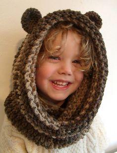 Ravelry: Bear Snood pattern by Thomasina Cummings.