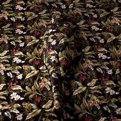 cecilia-paredes-wallpaper-camouflage-1