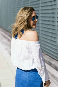 Off the shoulder top | Off the shoulder dress | Off the Shoulder Sweater | Fashion Blogger | Off the Shoulder Style | American in Spain | Spain Fashion, Cold Shoulder Top