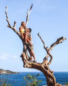 Angels Billabong Nusa Penida Bali Indonesia - Wanderers & Warriors - Charlie & Lauren UK Travel Couple - Instagram Spots Bali - Tree - Ocean