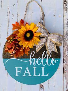 Welcome Door Signs, Front Door Signs, Fall Door Hangers, Round Door, Diy Wreath, Wreaths, Happy Fall Y'all, Wood Rounds, Hello Autumn
