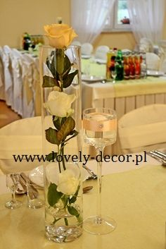 Dekoracja sali weselnej z kwiatami #wedding #decor #ślub #dekoracje