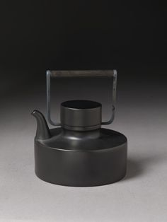 To know more about Tapio Wirkkala Teapot for Rosenthal, visit Sumally, a social network that gathers together all the wanted things in the world! Featuring over 72 other Tapio Wirkkala items too!