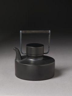 TEAPOT  Tapio Wirkkala,Teapot for Rosenthal, 1963 viabirdcagewalk