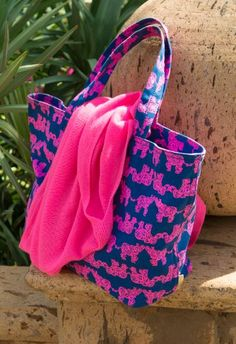 Lilly Pulitzer Beach Tote in Pack Your Trunk