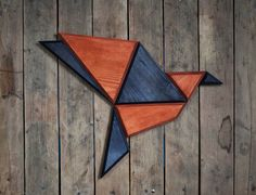 Wooden Zoo: Geometric Animal Heads Made From Wood Wooden Bird, Wooden Wall Art, Wooden Walls, Wood Art, Geometric Drawing, Geometric Wall, Geometric Animal, Polygon Art, Driftwood Crafts