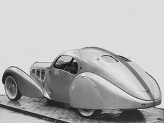 Bugatti Type 57 Aérolithe (meteorite) concept car (1935) styled by Jean Bugatti, with body panels of Elektron (a magnesium alloy) or Duralumin (an aluminium alloy) which were riveted externally, creating a signature seam