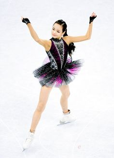Figure skating photos and more — Eunsoo Lim became 2017 Korean national champion Gymnastics Costumes, Rhythmic Gymnastics Leotards, Dance Costumes, Figure Skating Competition Dresses, Figure Skating Costumes, Baile Latino, Figure Skating Dresses, Women Figure, Glamour