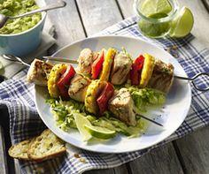 Auch sehr lecker:  Hähnchen-Paprika-Mais-Spieße mit Spitzkohlsalat und Avocado-Dip - von Deutsches Geflügel  http://www.starcookers.de/de/nc/rezepte/rezepte-a-z/deutsches-gefluegel/display_type/details/recipe_uid/1558.html
