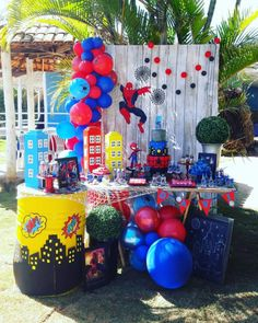Spiderman Cake Ideas for Little Super Heroes - Novelty Birthday Cakes Spiderman Theme Party, Superhero Birthday Cake, Avengers Birthday, Birthday Themes For Boys, 6th Birthday Parties, 1st Boy Birthday, Superhero Party, Spiderman 4, Spiderman Invitation