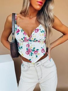 floral Bandana Top, Floral Tops, Floral Prints, Size Model, Hemline, Bodice, Bodysuit, Silhouette, Crop Tops