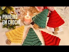 Pinheiro em Crochê - por Marcelo Nunes - YouTube Crochet Patterns, Crochet Tutorials, Crochet Hats, Crochet Christmas, Youtube, Christmas Trees, Crochet Christmas Decorations, Holiday Crochet, Felt Wreath