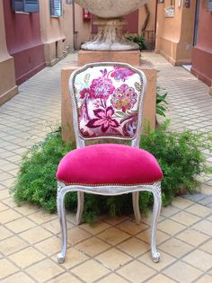 Fabulous ladies' desk chair upholstered in hot pink velvet and floral fabric. Reupholster Furniture, Chair Upholstery, Upholstered Furniture, Funky Furniture, Home Decor Furniture, Painted Furniture, Interior Room Decoration, Interior Design Living Room, Diy Decoration