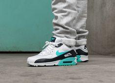 0228664eba4212 Nike Air Max 90 Essential (White   Aurora Green - Aurora Green - Obsidian)