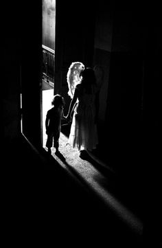 Angels among us. Photo by Dikarka Angels Among Us, Angels And Demons, Black White Photos, Black And White Photography, I Believe In Angels, Ange Demon, Jolie Photo, Light And Shadow, Light In The Dark