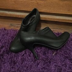 Black high heels The zippers work. Toe is not scuffed. The heel is in great shape. Smoke free home. Great condition. Merona Shoes Platforms
