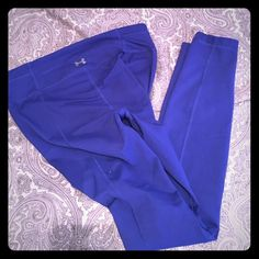 Under armour leggings Size small Used twice. Very good condition. More of a dark royal blue color. Under Armour Pants Leggings Under Armour Pants, Under Armour Women, Royal Blue Leggings, Royal Blue Color, Dark, Things To Sell, Royal Blue Colour